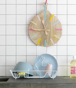 Keukenklok van oude kaasplank