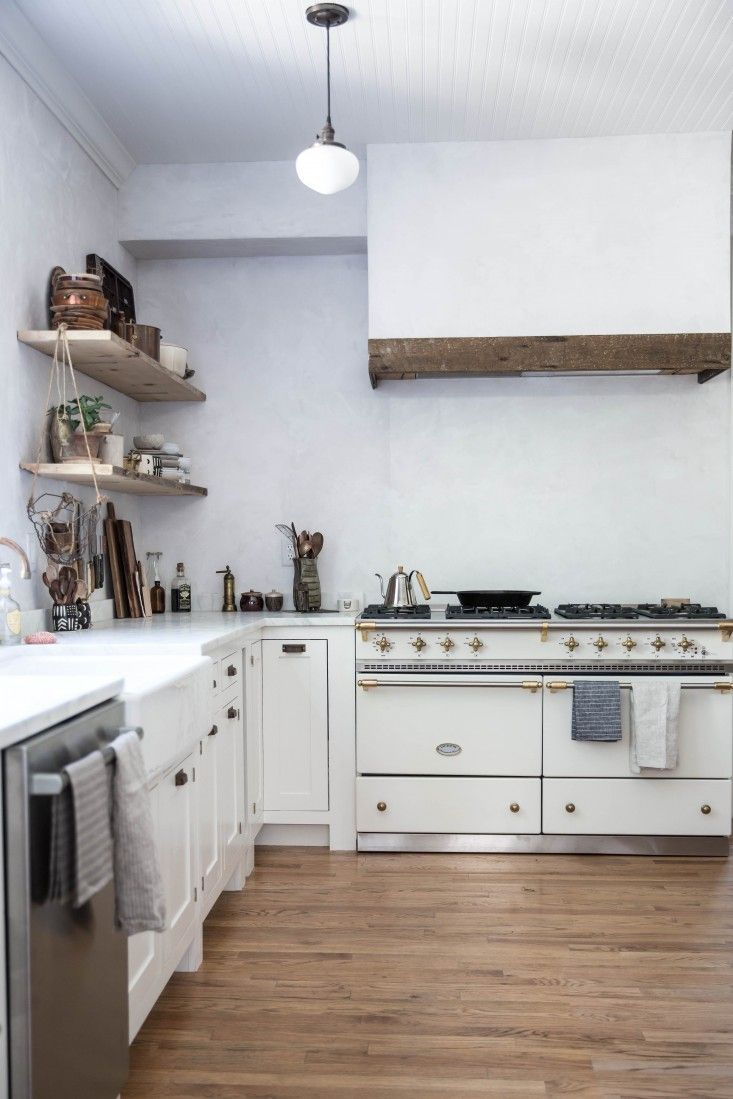 10 Kitchen And Home Decor Items Every 20 Something Needs: 10x Simple & White