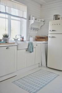 witte keuken met witte smeg
