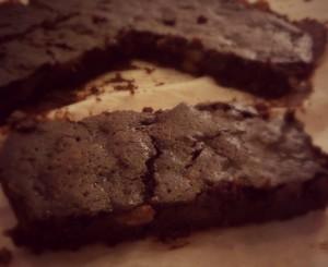 Brownie met peer en walnoten
