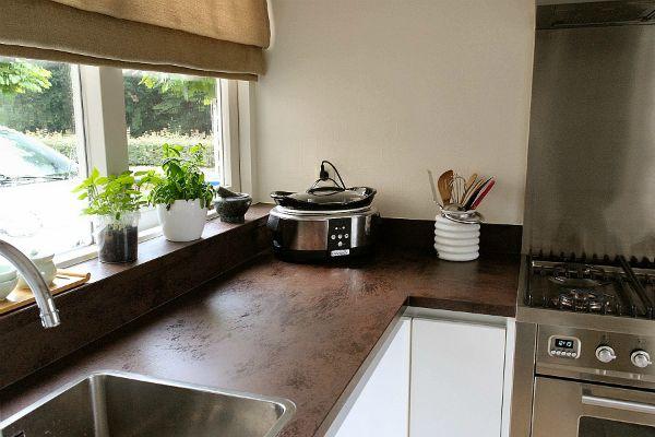 Houten Keuken Reinigen : Ideaal In De Keuken Want Blinds Laten Zich Makkelijk