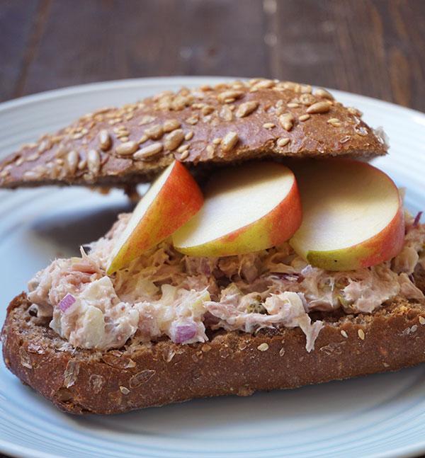 broodje tonijnsalade met appel