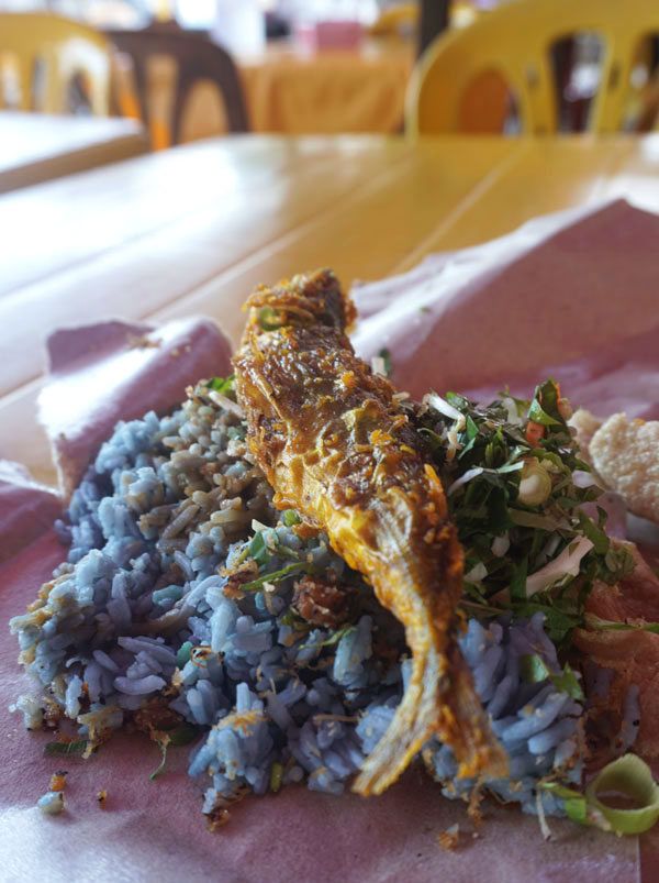 Nasi kerabu Kota Bharu
