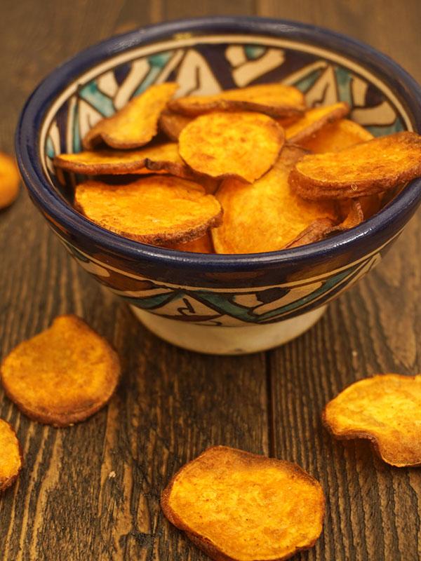 zoete aardappelchips met paprikapoeder