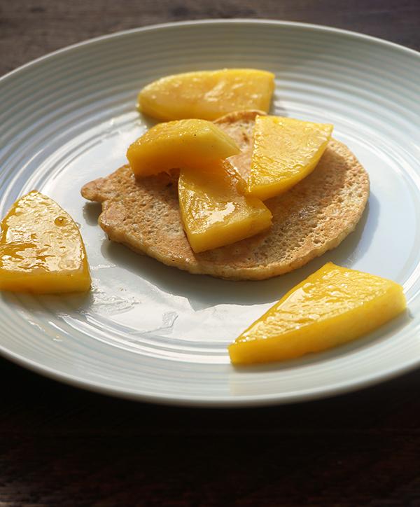 Havermout pannenkoeken met kokosmelk en mango