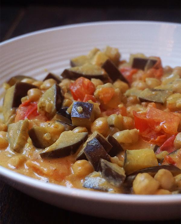kikkererwtencurry met aubergine