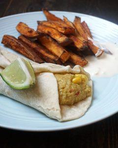 Tortillawraps en zoete aardappel friet