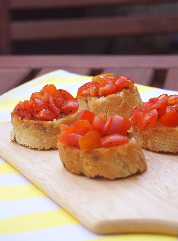 bruschetta met cherrytomaten