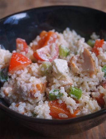 Rijstsalade met gerookte kip en feta